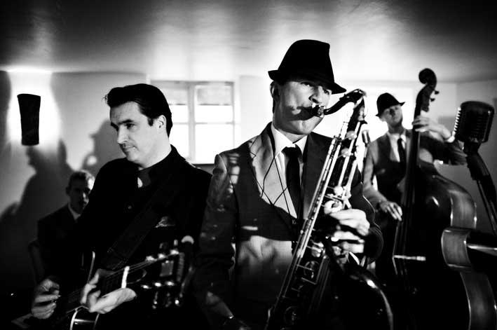 Dominic Halpin & the Honey B's - Swing Band